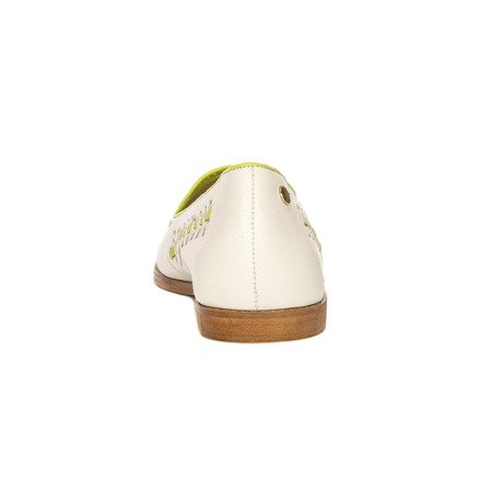 Maciejka 4052A-11-00-5 White Flat Shoes